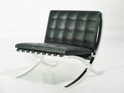 1-12-reina-design-interior-collection-designers-chairs-vol-1-no-7-ludwig-mies-van-der-rohe-barcelona-chair-blk-03