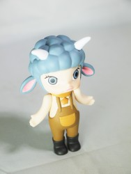 pop-mart-little-molly-zodiac-capricorn-02